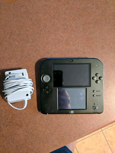 Nintendo 2DS + Charger + 40 games + 32GB memory card