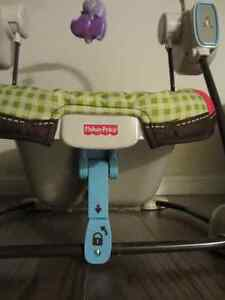 Fischer Price compact space saver Swing & Vibrating chair - $60 Kitchener / Waterloo Kitchener Area image 5