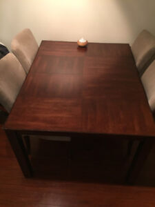Dining set with extendable leaf and 4 chairs