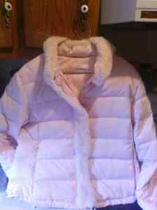 Young ladies/women's sweaters/sleeve shirts/ winter jacket London Ontario image 9