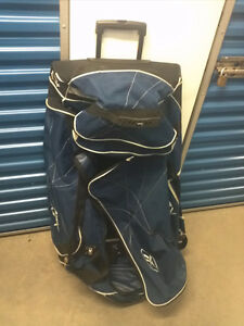 RBK Hockey Gear Bag w Wheels & Extend Handle