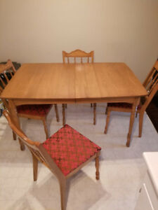 Mid-century Walnut Dining Room Table and Chairs $150
