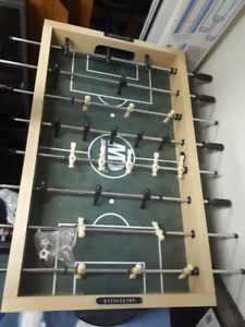 Table baby foot a vendre/ foosball table for sale,