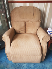 Easy lift and recliner chair
