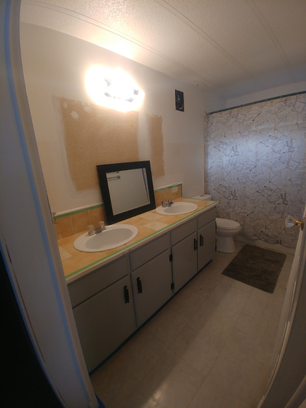 3 Bedroom Double-wide Spacious kitchen Trailer For sale ...