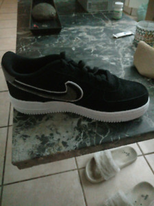 Selling Air Force Ones