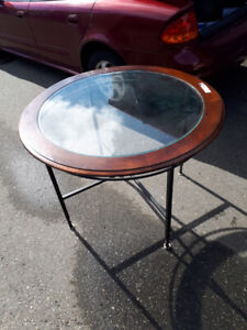 MODERN ROUND GLASS TOP DINING TABLE