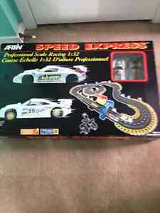 NEW! ARTIN SPEED EXPRESS racing Porsche set 1:32 scale! $35