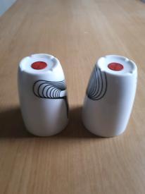 2 mugs heat retention