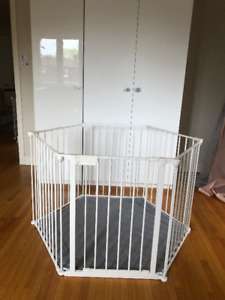 Baby Dan (park-a-kid safety gate)