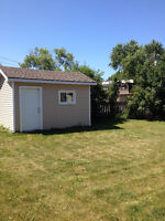 3 bedroom split level home located in Grimsby
