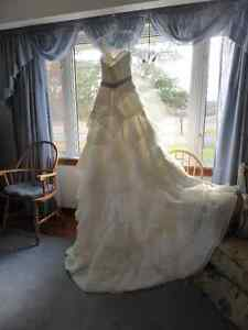Designer Wedding Dress Belleville Belleville Area image 5