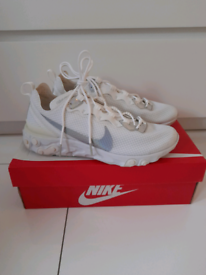 Womans nike react element