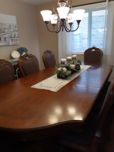 Beautiful Dining Room Table With 8 Chairs