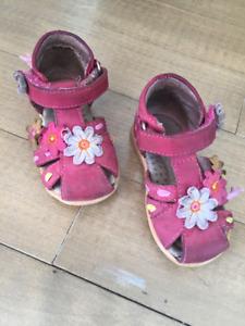 Diverses chaussures enfant fille