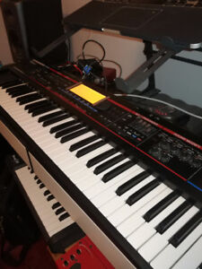 ROLAND JUNO G - Great synth