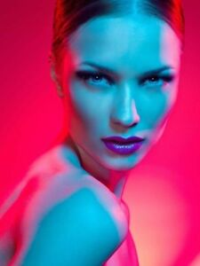 Looking for Photographer for GEL LIGHT PHOTOSHOOT