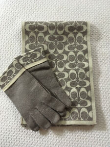 Authentic Coach Steel Grey & Cream Monogram Scarf & Glove Set