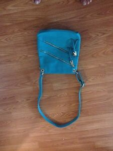 BNWT Cross Body Purse and Roxy Wallet London Ontario image 2