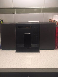 Sony Stereo: iPod dock / lecteur MP3 & CD player / Radio