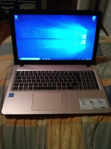 LIKE NEW ASUS laptop (INTEL Quadcore Processor, 8GB RAM)