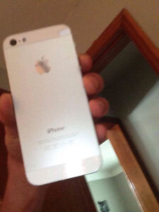 Silver iPhone 5 good condition