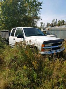 Camion chevrolet z71 1998 pour pièces 1500 $