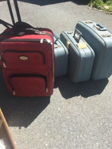 Old and new luggage. Free!