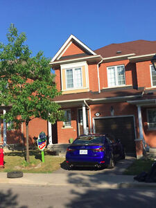 3 bedroom 4 bathroom home for rent in Mississauga Sep 1