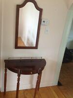 Table d'entrée avec miroir / Entrance table with mirror