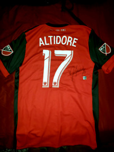 Authentic TFC Signed Jozy Altidore Jersey - 250$