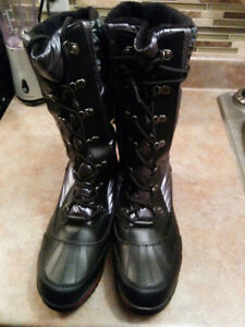 Botte D'Hivers NEUF  COUGAR CANADA GR: 10