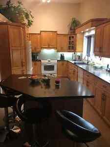 Armoire cuisine cuisine salle diner dans rimouski for Armoire de cuisine kijiji