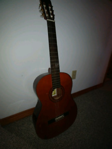 """Classical Guitar 40"""" maybe 3/4 size"""