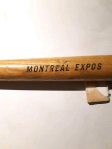 Bâton de baseball des Expos année 1970 qui vient du parc Jarry