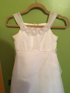 Beautiful White Communion/Flower Girl Dress London Ontario image 2