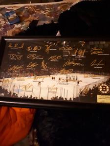 Boston Bruins team auto graph
