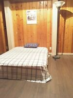 bedroom private bath Walking distance to Cambrian college