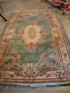 Gorgeous thick wool rug 6' X 9'