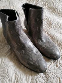 Next boots size 8/42- correct size