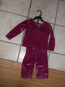 Many adorable outfits for a 2 year old girl for sale Gatineau Ottawa / Gatineau Area image 6