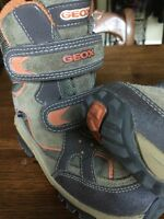 Geox winter boots . Like new Size 8 ( youth)