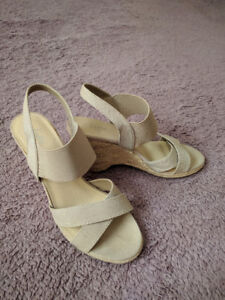 Light beige canvas/elastic wedge sandals, as new
