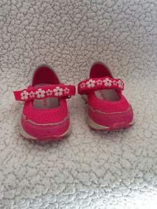Carters light up shoes - size 5