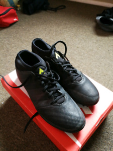 Souliers Adidas Soccer Synthétique / Adidas Soccer Turf Shoes