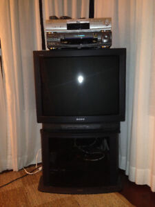 Sony TV (with a stand) and DVD player for sale