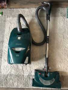 Kenmore Bagged Canister Vacuum with Pet HandiMate