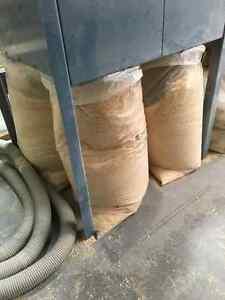 Sciure de bois de pin propre / Clean pine wood sawdust