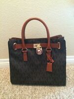 NEW! Michael Kors Purse!!