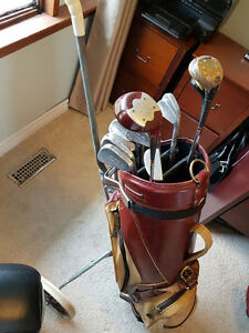 Used Mens Right Handed Golf set with bag and cart